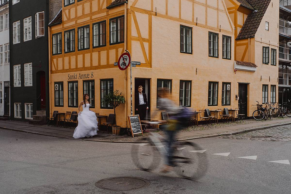 city wedding session in copenhagen