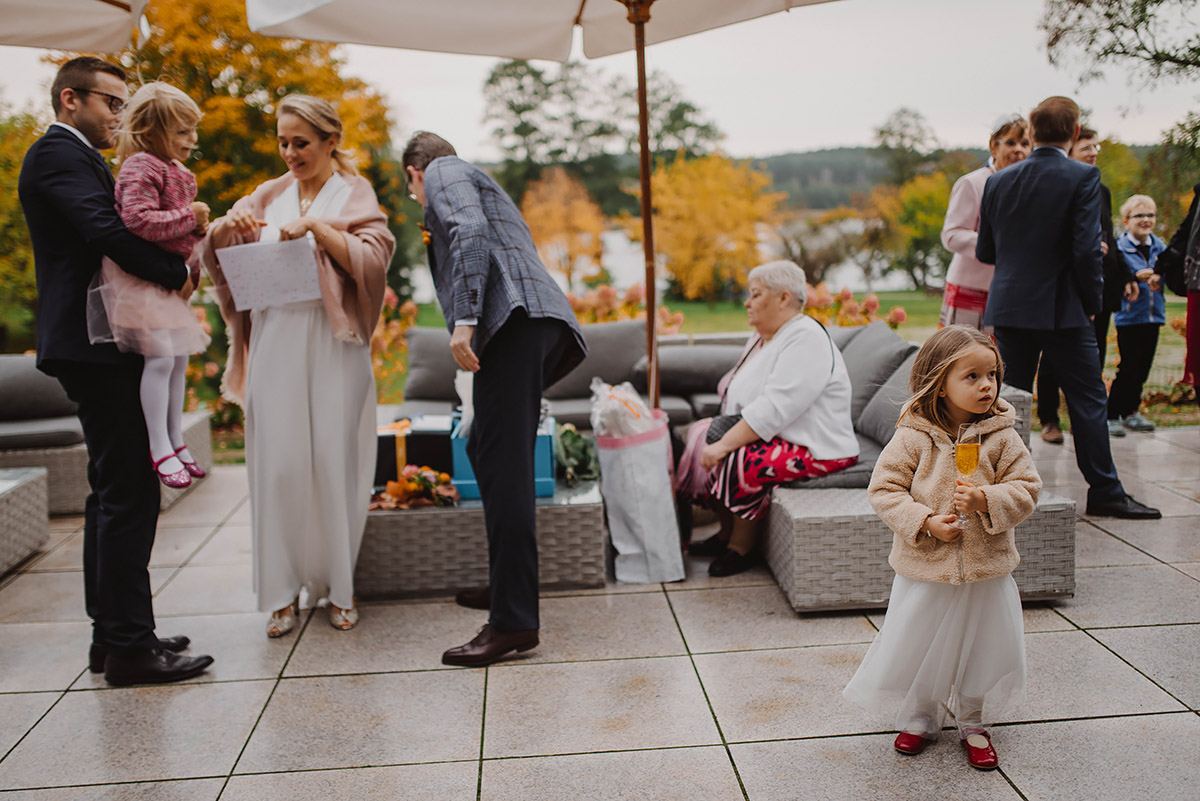 Reportaż ślubny Plenerowy Humanistyczny ślub Nad Jeziorem W Hotelu