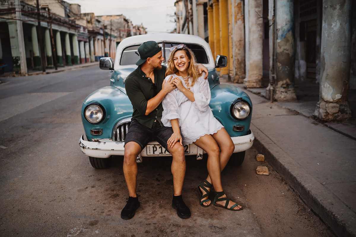 Couple photo shoot on Cuba